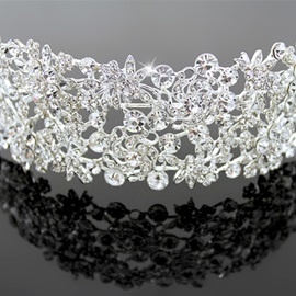 Trendy Alloy with Rhinestone Wedding Tiara