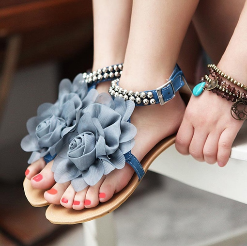 Sweet Lady Flower Decorated Ankle Strap Flat Sandals