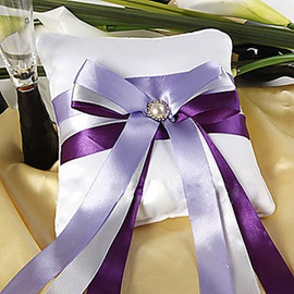 Chic Ring Pillow With Ribbons Pearl