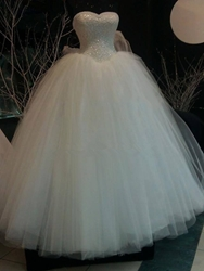 Ericdress Pearls Sweetheart Lace Ball Gown Wedding Dress thumbnail