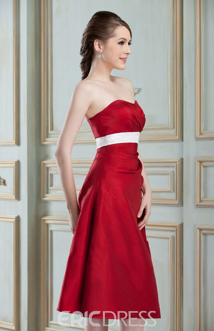 A-Line Knee-Length Sweetheart Neckline Bridesmaid Dress