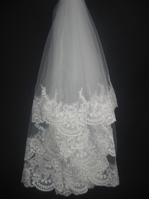 Ericdress Faddish Fingertip with Lace Flowery Edge Wedding Bridal Veils