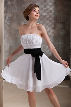 Exquisite Pleats Sashes/ribbons A-Line Strapless Bridesmaid Dress