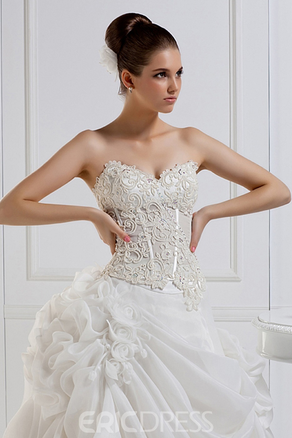 Charming Ball Gown Sweetheart Floor-length Lace Court Wedding Dress
