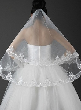 Graceful Elbow Wedding Veil With Applique Edge