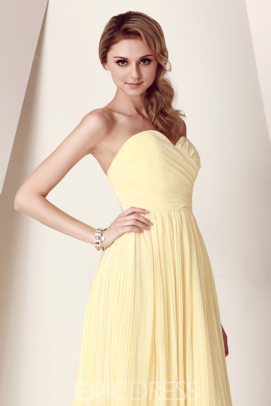 Charming Ruched A-Line Sweetheart Neckline Sleeveless Knee-Length Dasha's Bridesmaid Dress