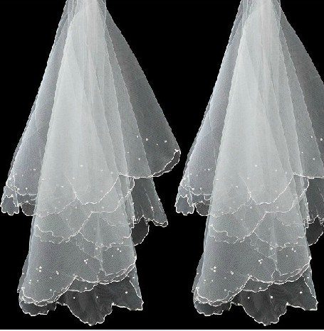 Ericdress Fascinating Fingertip Wedding Bridal Veils with Lace Flowery Edge