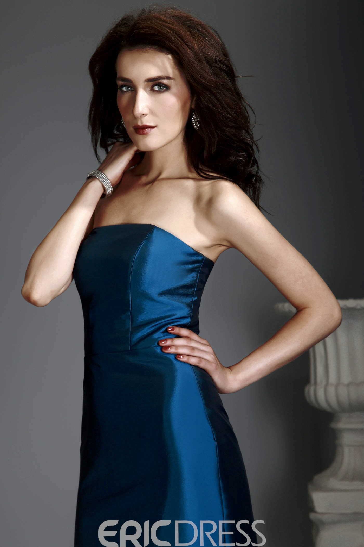 Delicated Sheath/Column Scoop Neckline Knee-Length Alex's Mother of the Bride Dress With Jacket/Shawl