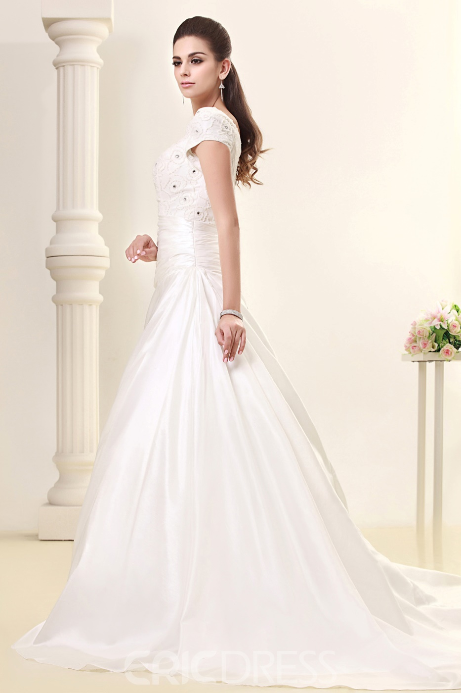 Pretty A-line/Princess Short-Sleeve Scoop Floor-Length Wedding Dress