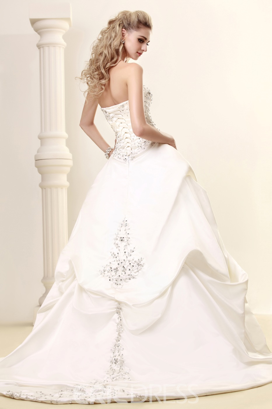 Pretty A-Line Sweetheart Strapless Embroidery Court Train Wedding Dress