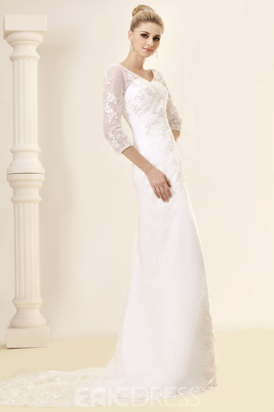 Charming A-Line/Princess V-neck Long-Sleeve Lace Wedding Dress