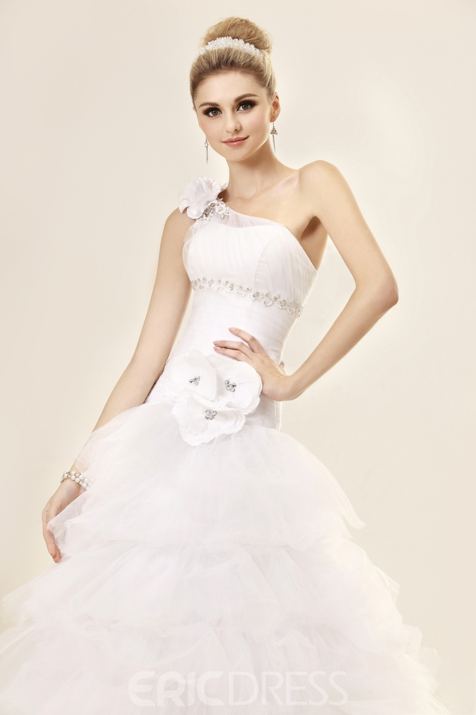 Sumptuous A-Line One-Shoulder Chapel Train Tiered Wedding Dress