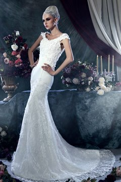 Brilliant Sheath/Column Square Sleeveless Chapel Train Appliques Wedding Dress