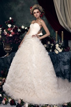 Gorgeous A-line Sweetheart Ruched Wedding Dress