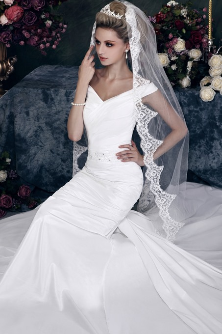Ericdress Stylish 1-Layer Chapel Wedding Bridal Veil with Vintage Floral Edge
