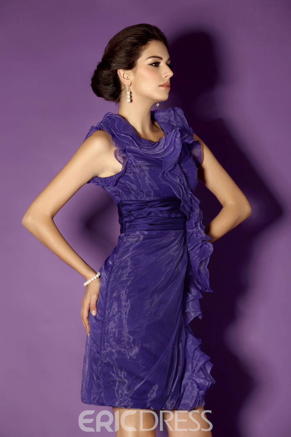 Graceful Ruffles Sheath Knee-Length V-Neck Mother of the Bride Dress
