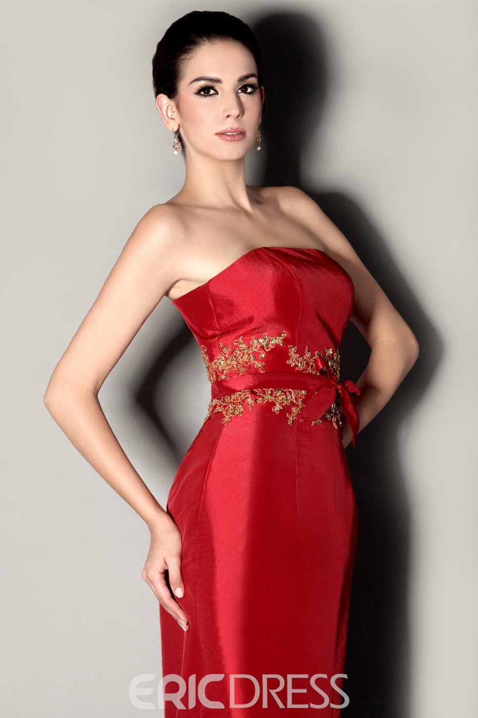 Charming Appliques Sashes/Ribbons Sheath Strapless Knee-Length Mother of the Bride Dress With Jacket/Shawl