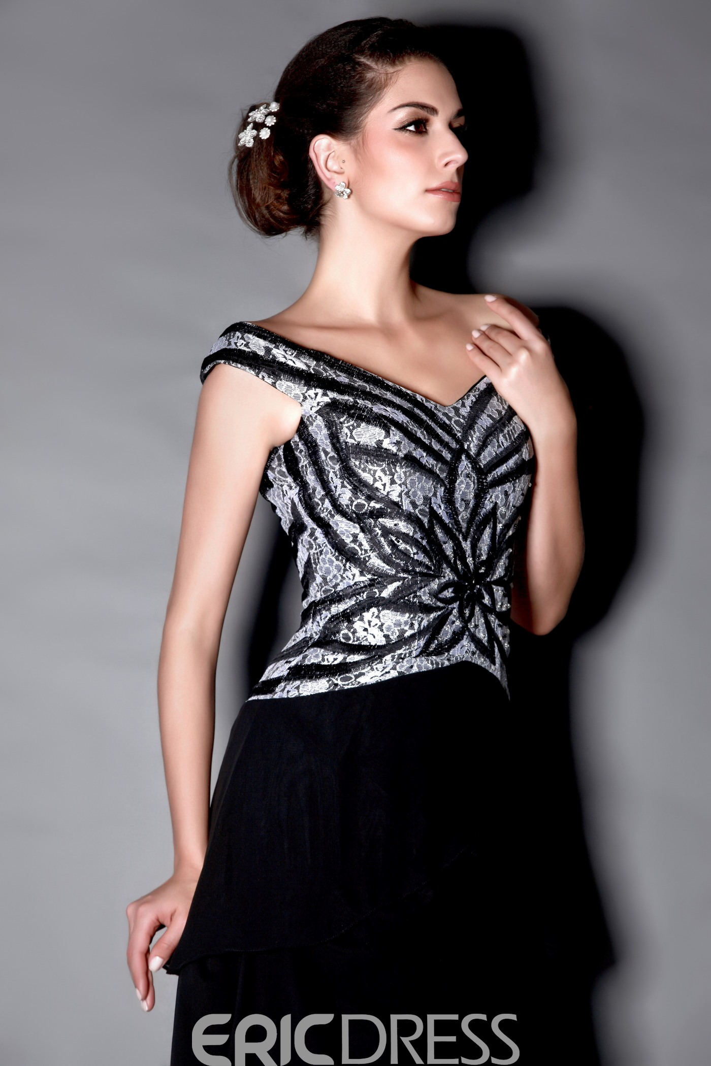 Marvelous Tiered A-Line Off-the-Shoulder Floor-Length Mother of the Bride Dress