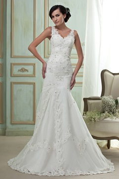 Gorgeous Mermaid/Trumpet V-Neck Court Wedding Dress