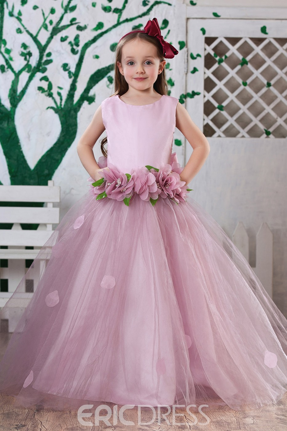Attractive Ball Gown Ankle-length Round-neck Flowers Embellishing Flower Girl Dress