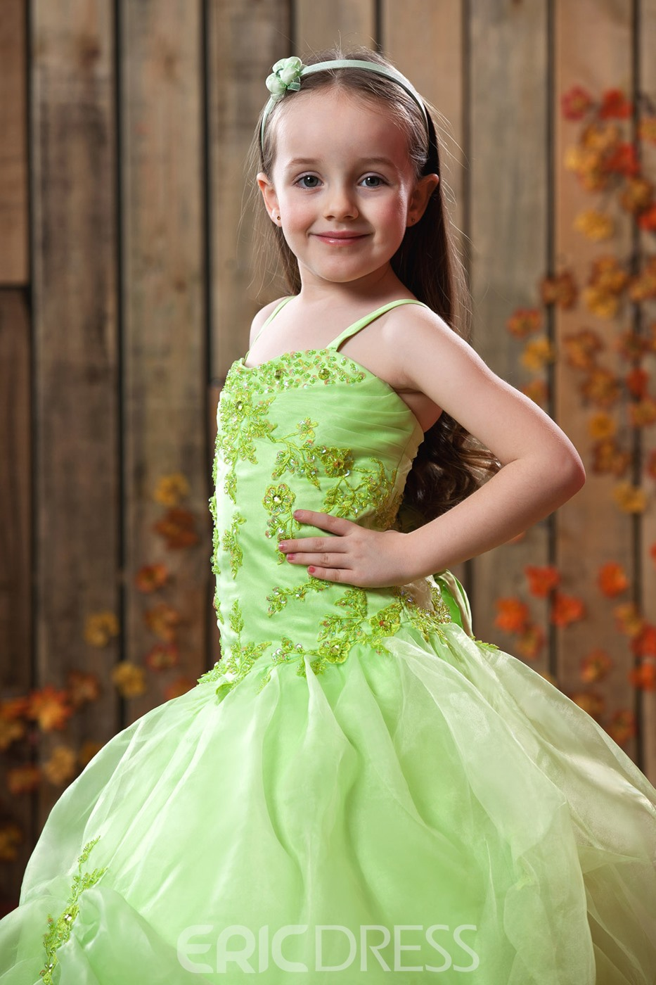 Beautiful A-line Spaghetti Straps Floor-Length Appliques Embellishing Flower Girl Dress