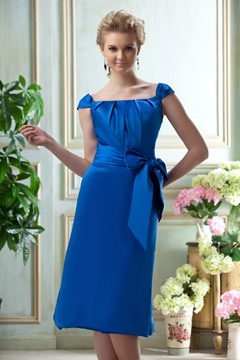 A-Line/Princess Scoop knee-length Satin Bridesmaid Dress