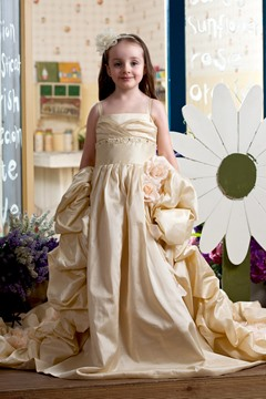Fantastic Ball Gown Strapless Floor-length Chapel Train Flower Girl Dress with Flowers