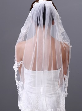 Pretty Elbow Wedding Veil with Lace Edge