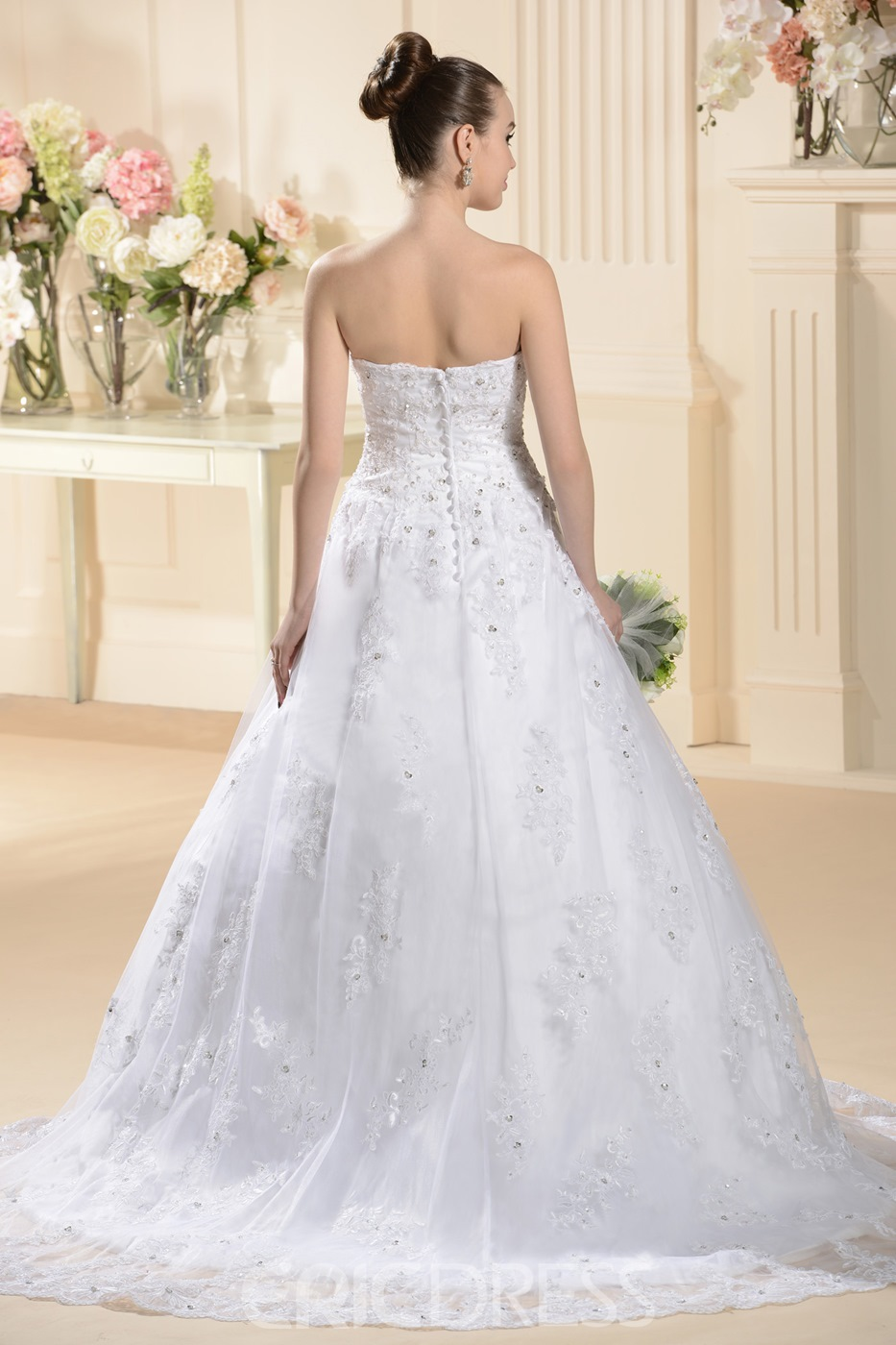 Attractive A-line Strapless Appliques Wedding Dress