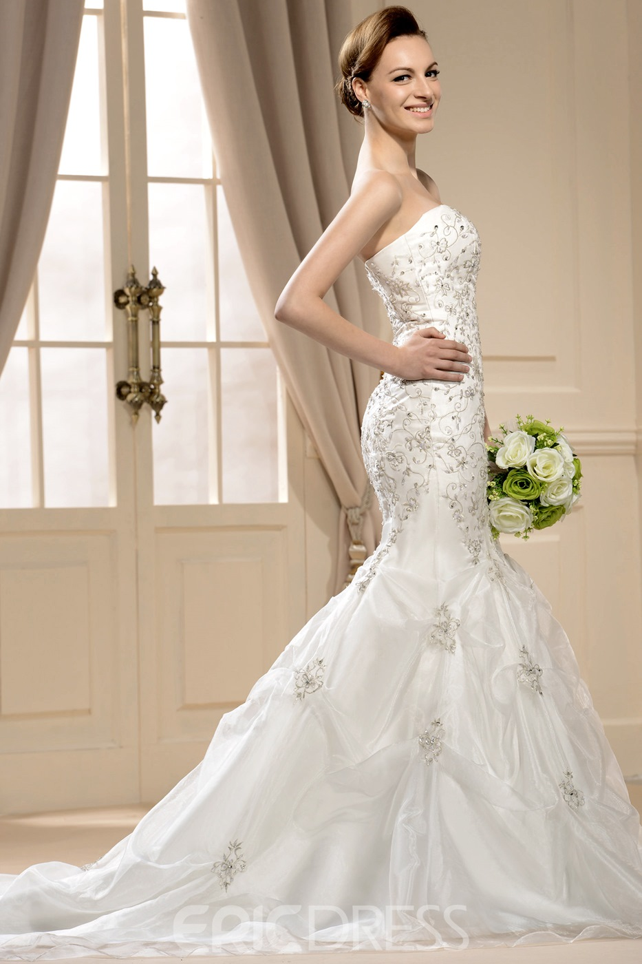 Gorgoues Mermaid Strapless Embroidery Court Train Wedding Dress