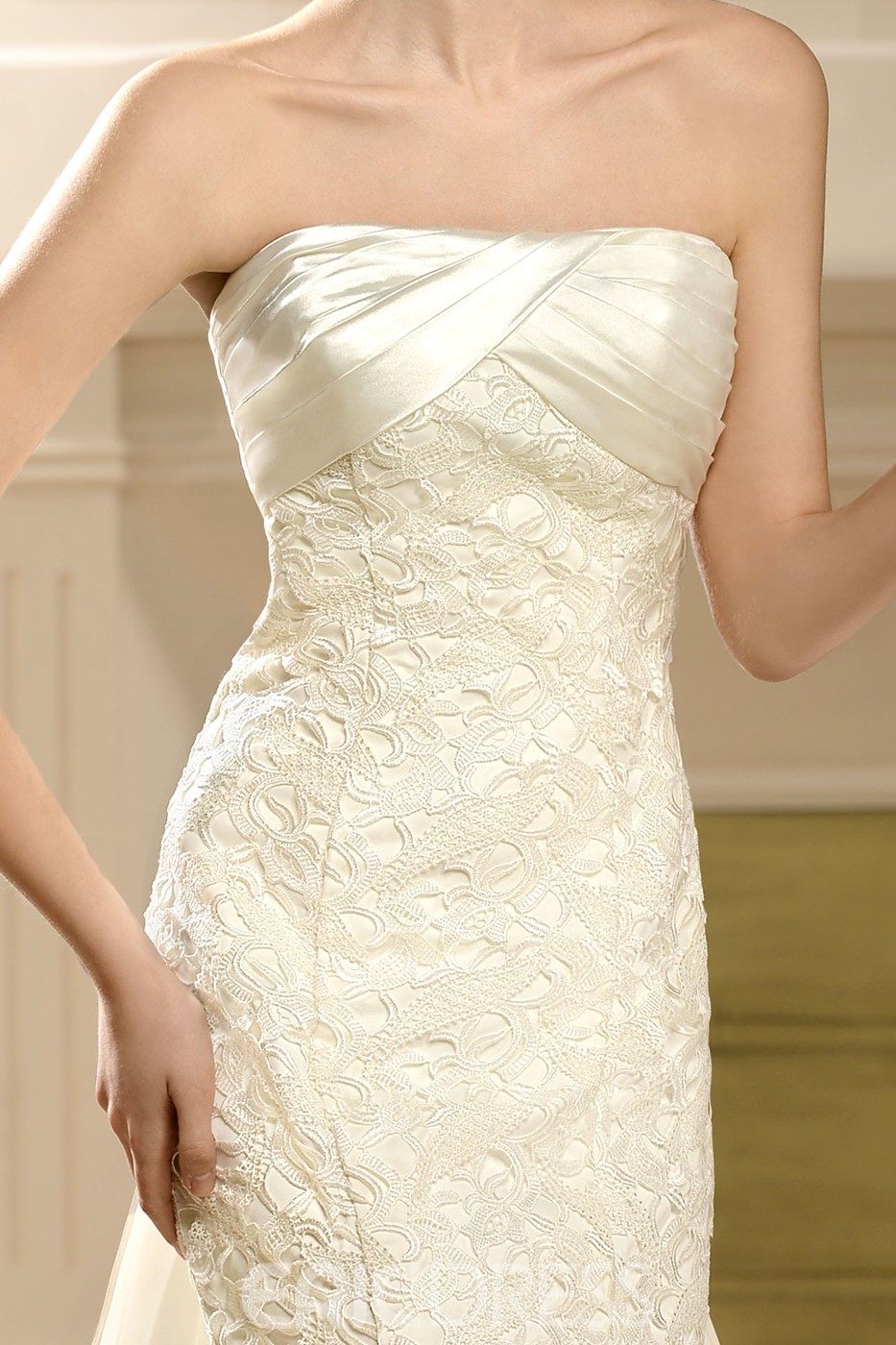 Attractive Empire Strapless Watteau Lace Wedding Dress