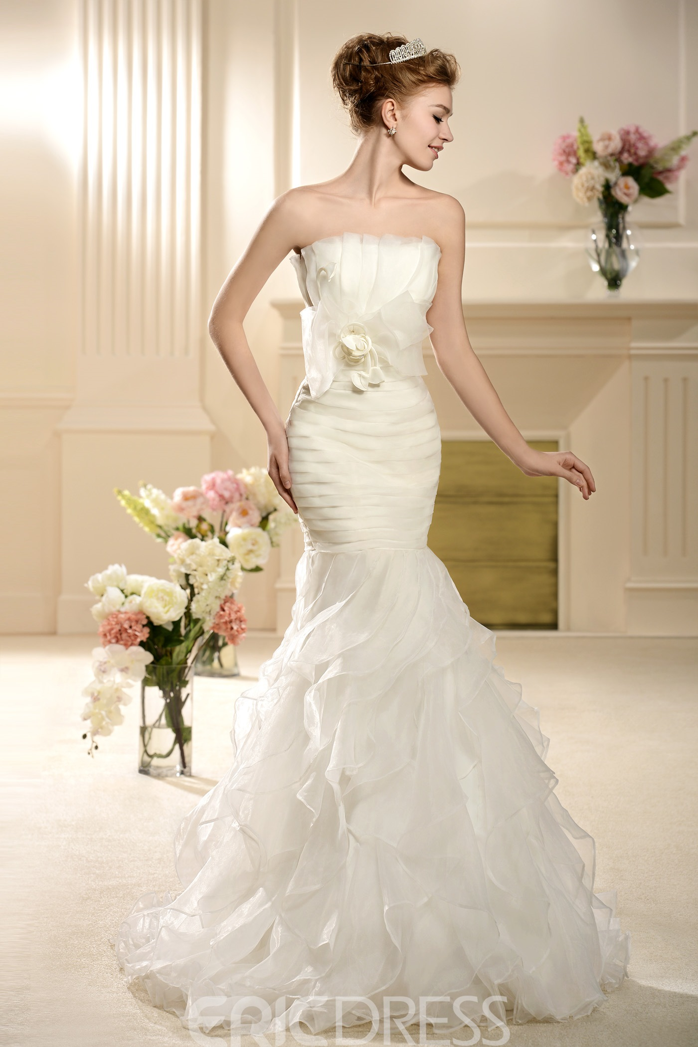 Elegant Mermaid/Trumpet Strapless Bowknot Wedding Dress
