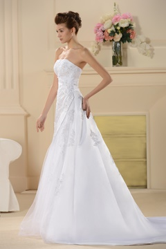 Attractive A-Line/Princess Strapless Appliques Wedding Dress With Jacket/Shawl
