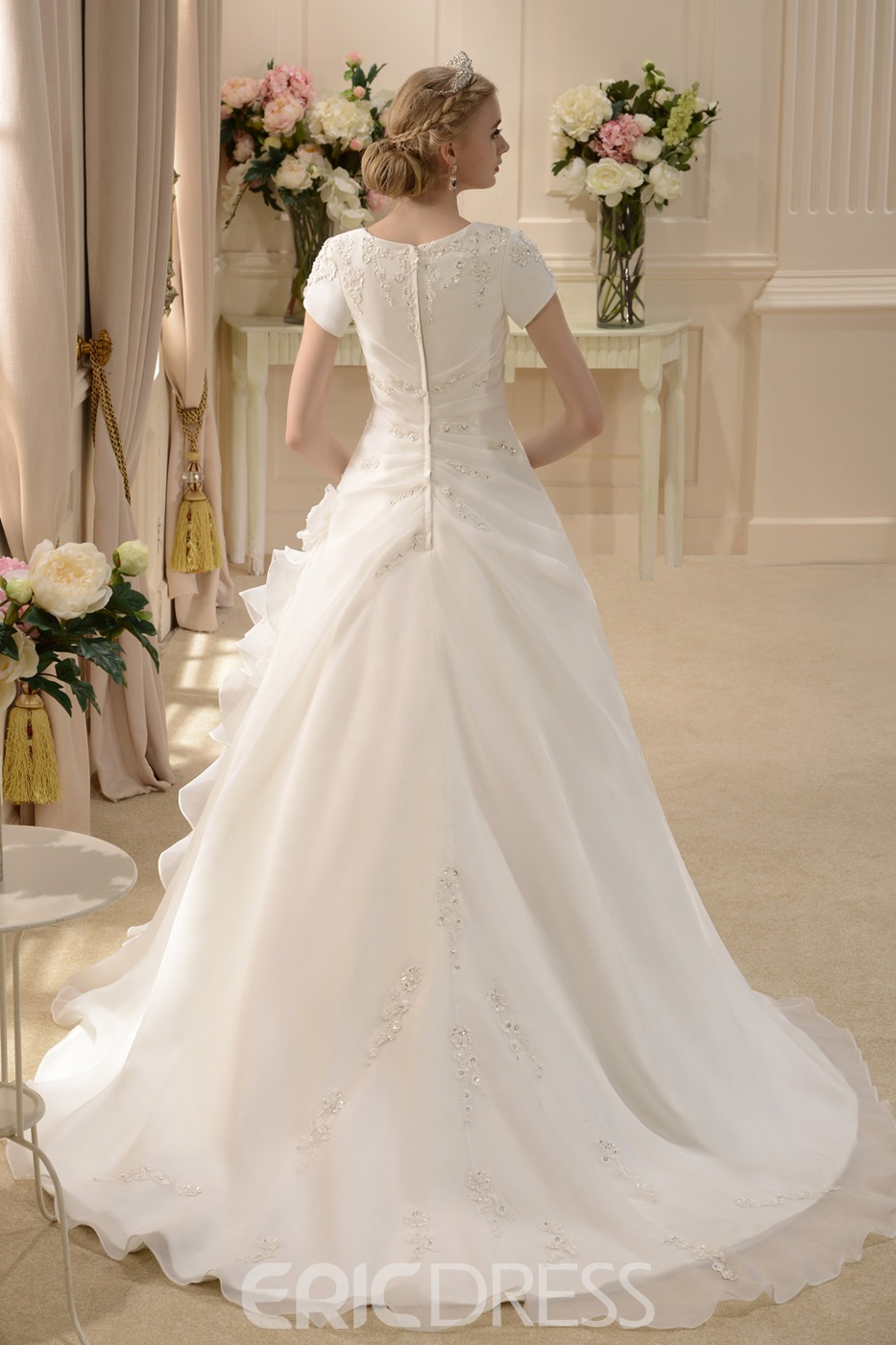 A-line Short-Sleeve Square Wedding Dress