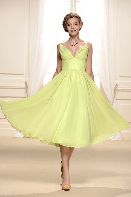 er Knee-Length V-Neck Bridesmaid Dress