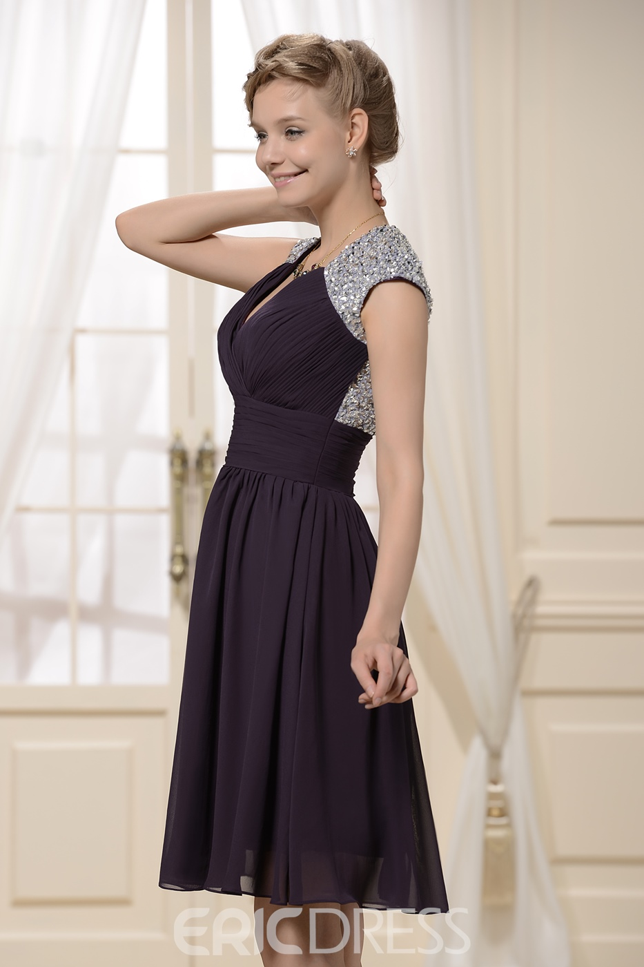 Sexy Short Appliques V-Neck Beading Bridesmaid Dress