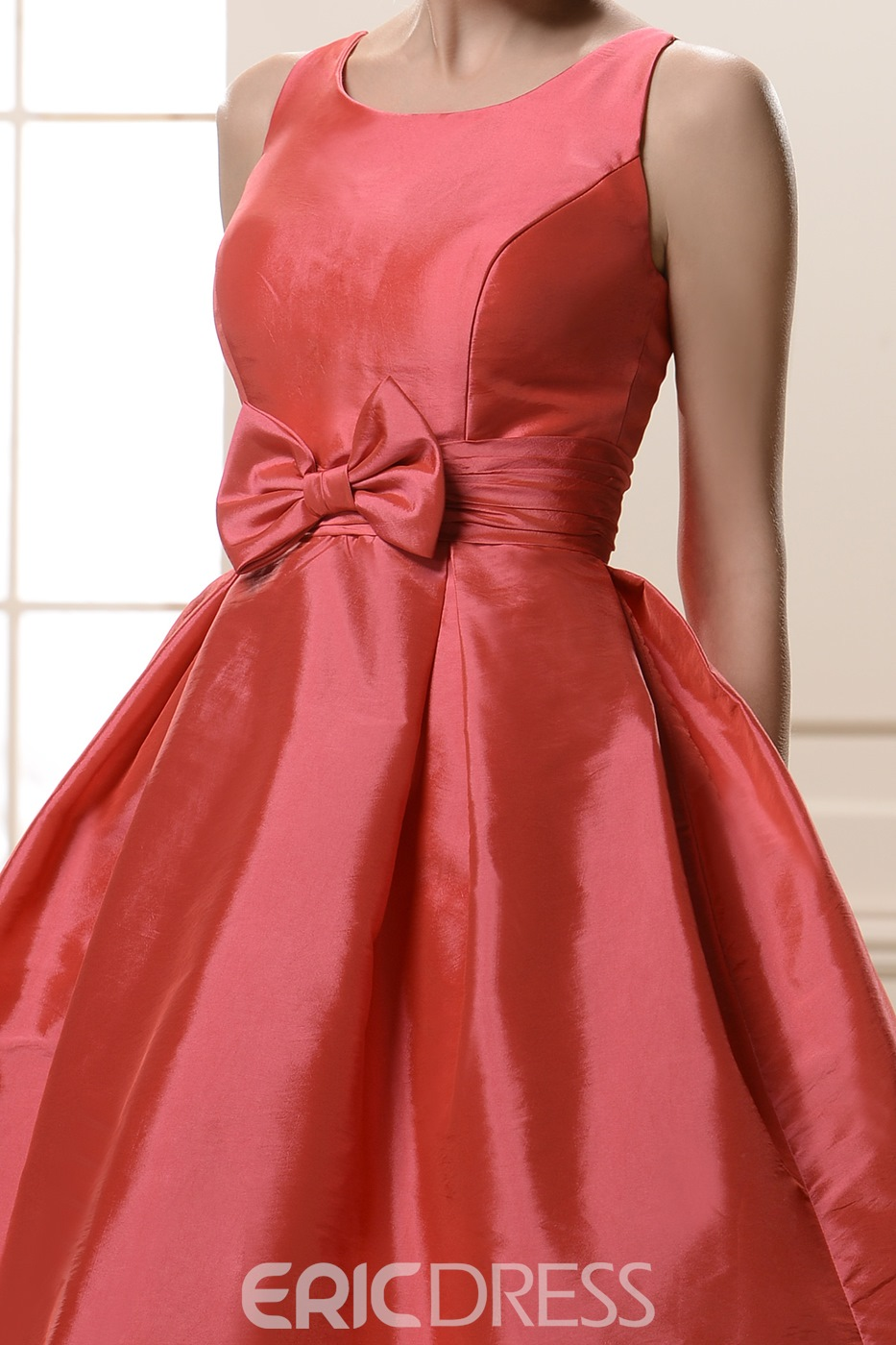 Attractive Bowknot Jewel Neckline Knee-Length Bridesmaid Dress
