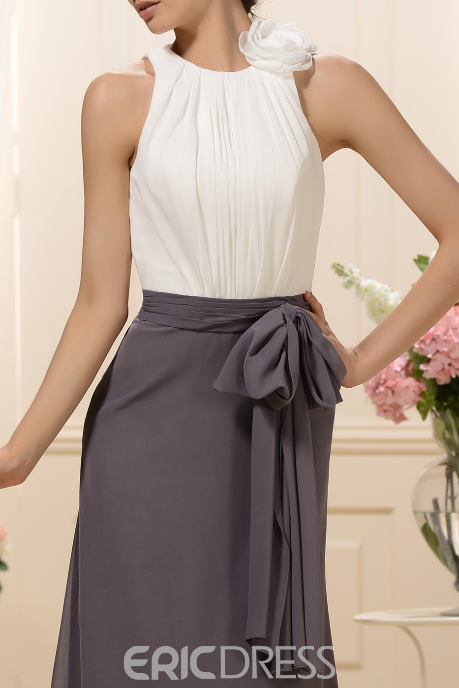 Fashionable Column/Sheath Jewel Bridesmaid Dress