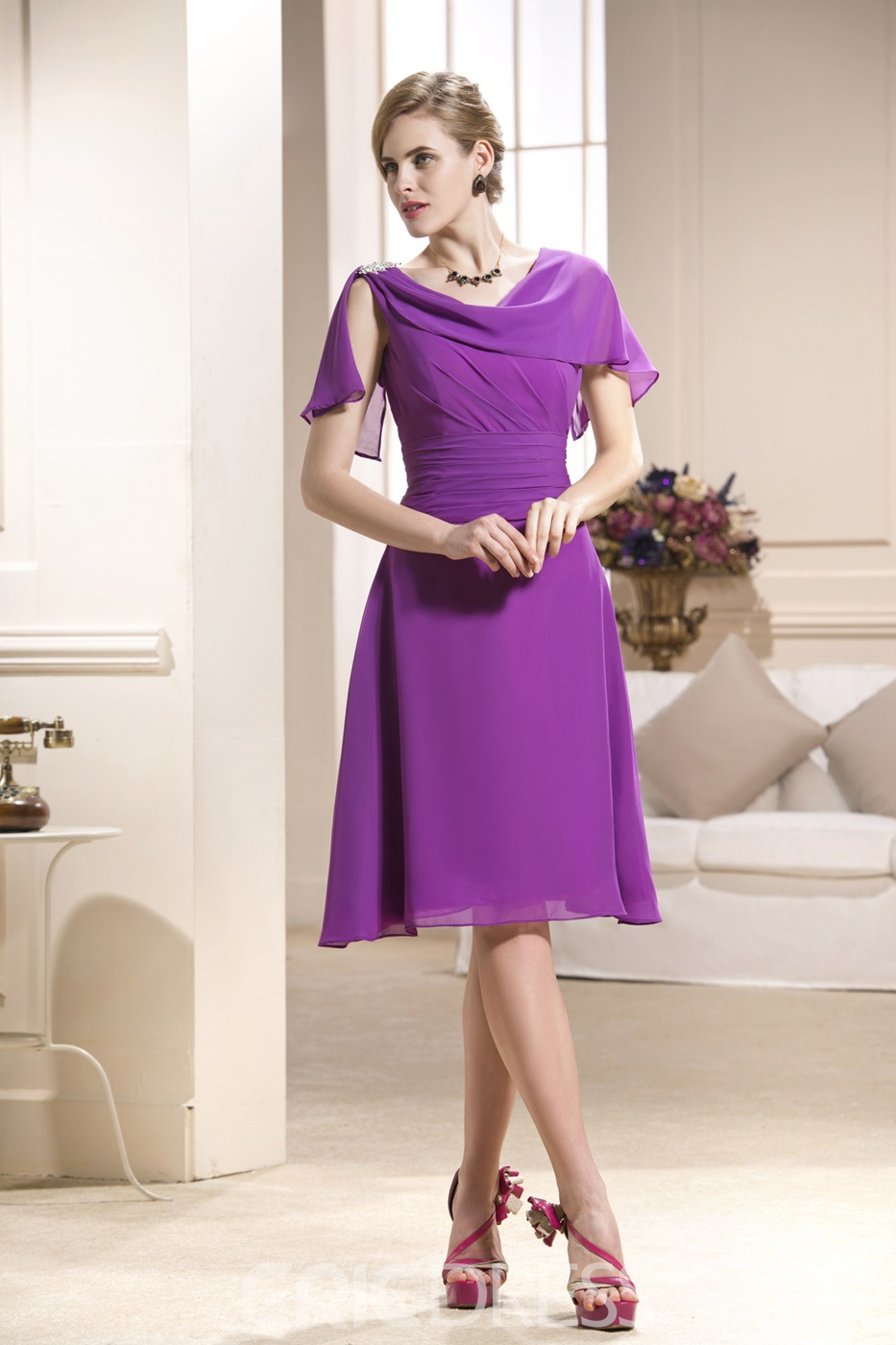 Sexy Pleats Crystal Floral Pin A-Line Scoop Neckline Knee-Length Mother of the Bride Dress