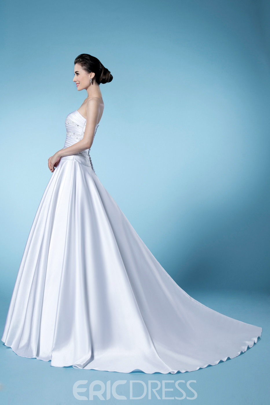 Gorgeous A-line Beading Zipper-up Strapless Wedding Dress