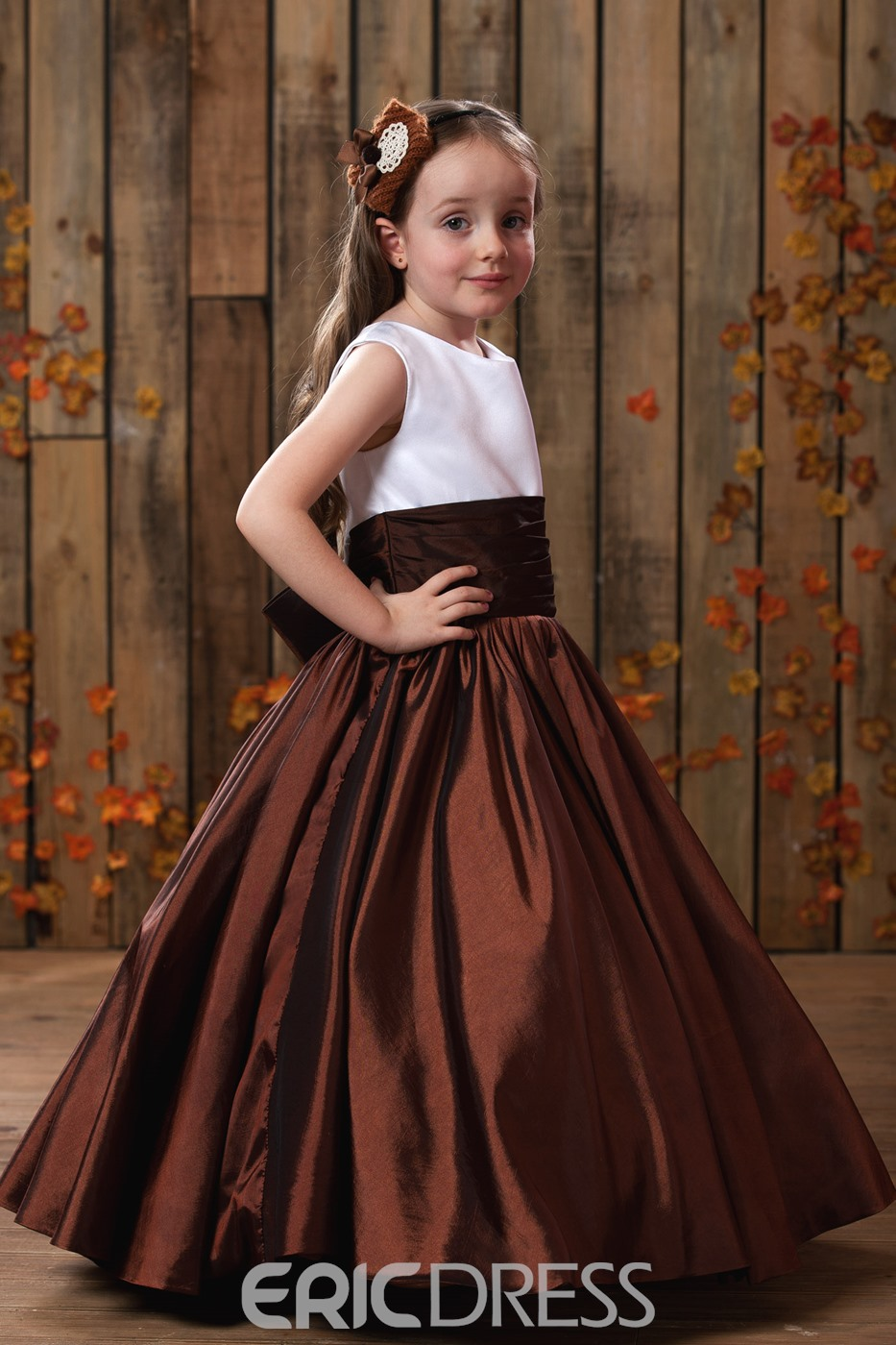 Pretty A-line Scoop Flowers Embellishing Flower Girl Dress