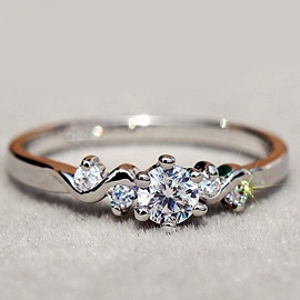 Fashion Dazzling Zircon Imitation Diamond Ring