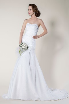 Graceful Ruched Court Train Trumpet/Mermaid Sweetheart Sleeveless Wedding Dress
