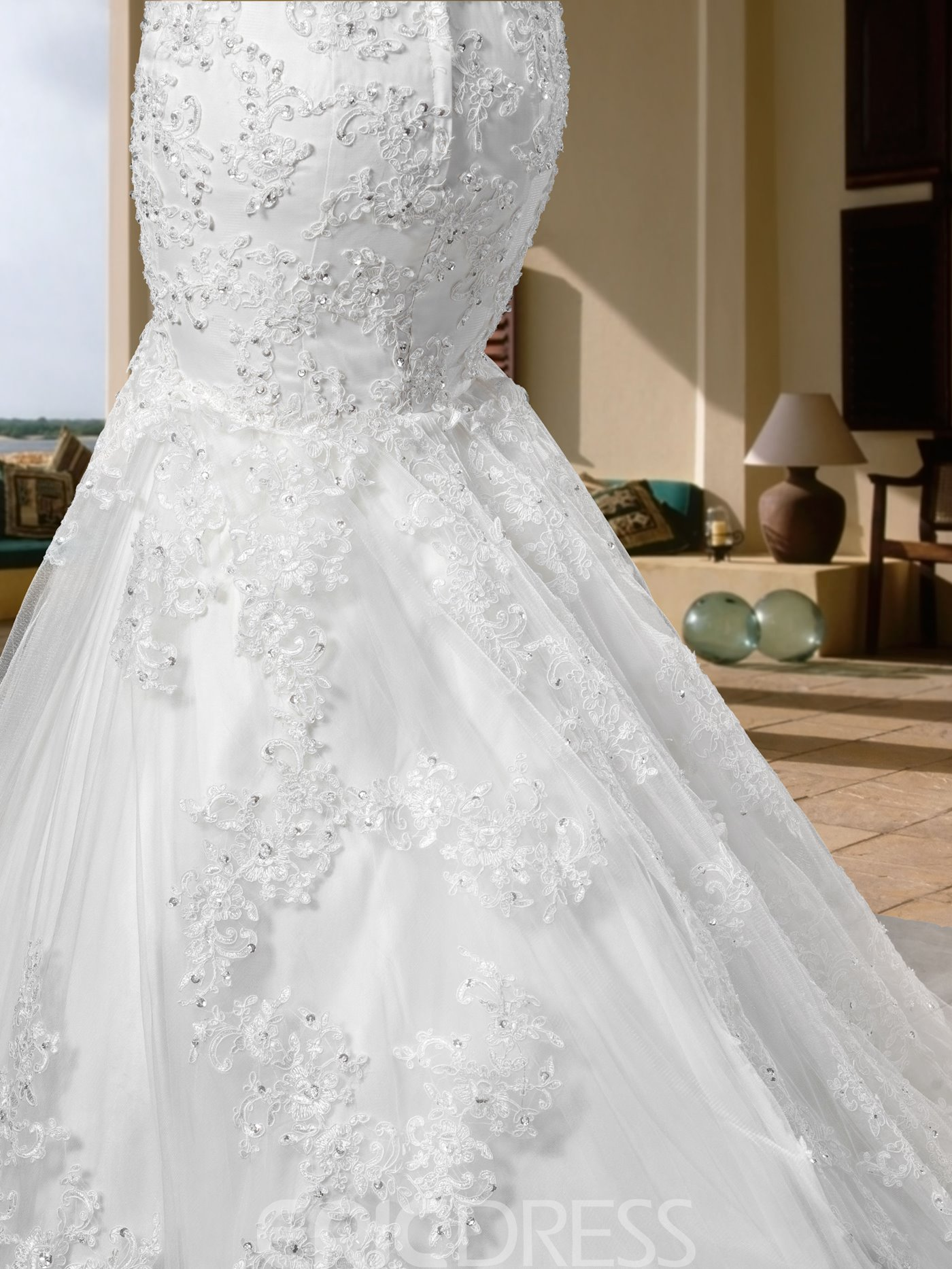 Gorgerous Sleeveless Scoop Appliques Trumpet Court Wedding Dress