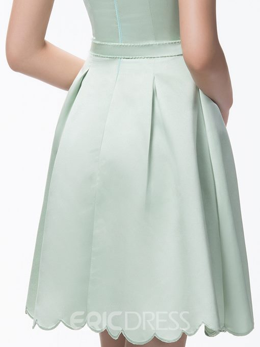 Stunning A-Line Short/Mini Zipper-Up Scoop Neck Bridesmaid Dress