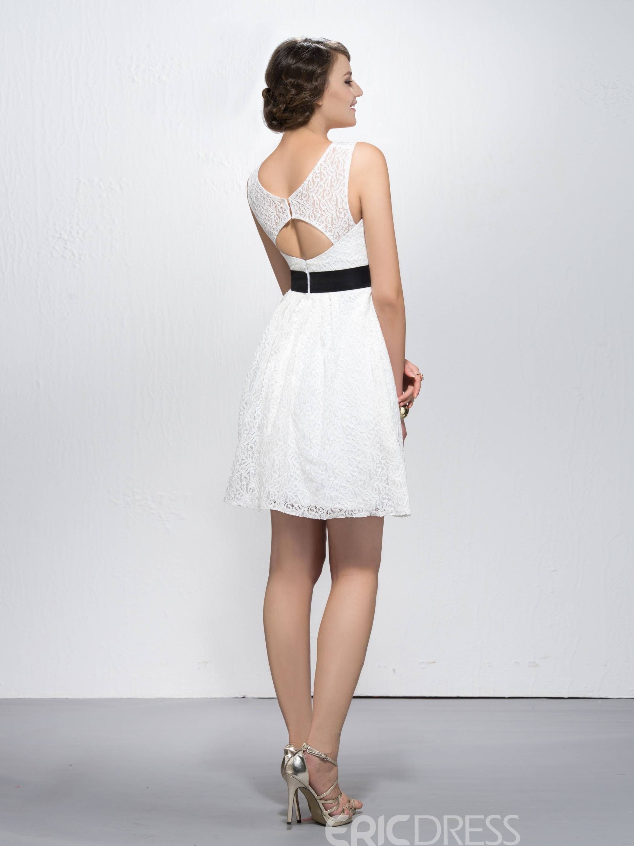 Cute Lace Short Sashes/Ribbons Bateau Neckline Straps Homecoming Dress