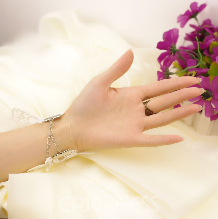 Luxurious Lace Pearl Flower Wedding Glove
