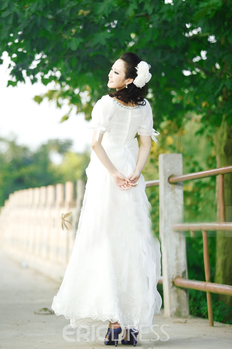 Gorgeous A-Line Square Short Sleeves Beading Appliques Charming Wedding Dress
