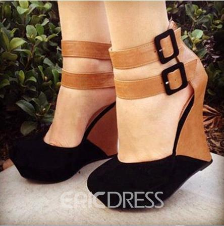 Patchwork Wedges with Buckles Decoration