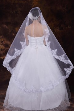 Graceful Fingertip Appliques Flower Wedding Veil